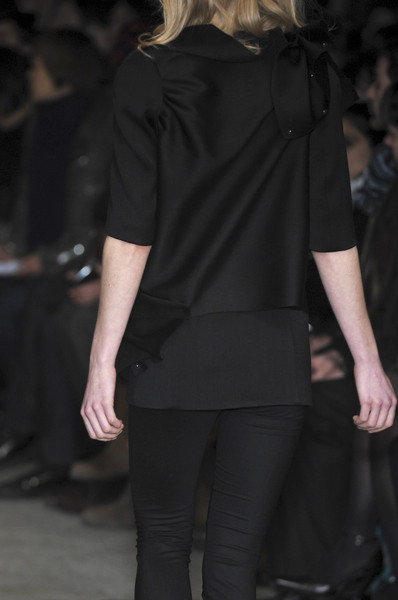 Lutz at Paris Fall 2010 (Details)