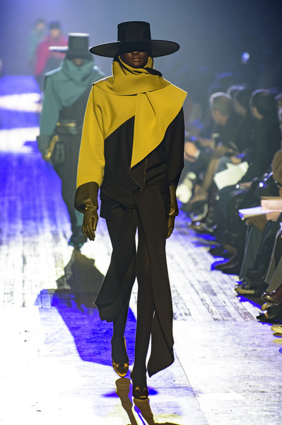 Marc Jacobs at New York Fall 2018 [fashion,runway,fashion show,fashion model,fashion design,haute couture,event,electric blue,performance,formal wear,marc jacobs,fashion,fashion design,runway,clothing,haute couture,wear,chanel,new york fashion week,event,marc jacobs,new york fashion week,fashion,chanel,ready-to-wear,fashion design,autumn,runway,clothing]