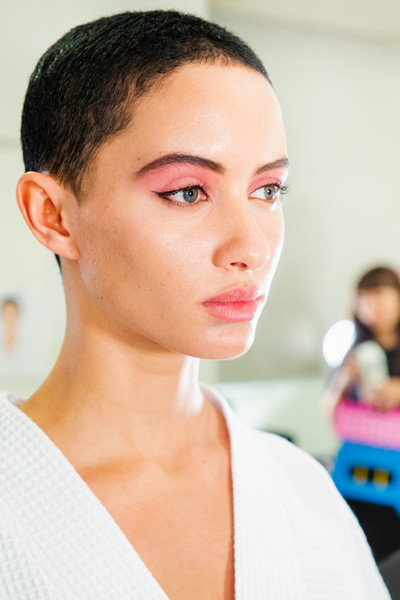 Marc Jacobs at New York Spring 2019 (Backstage) [hair,face,eyebrow,skin,hairstyle,chin,forehead,beauty,head,cheek,marc jacobs,hairstyle,beauty,fashion,spring,fashion week,bun,skin,new york fashion week,fashion show,hairstyle,fashion,fashion week,fashion show,bun,spring,summer,beauty,androgin,trend]