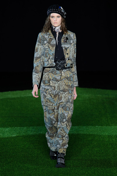 Marc by Marc Jacobs at New York Fall 2015 [military camouflage,fashion,clothing,military uniform,uniform,camouflage,runway,soldier,military,pattern,marc by marc jacobs,kendall jenner,soldier,fashion,runway,military uniform,uniform,camouflage,new york fashion week,fashion show,kendall jenner,runway,fashion show,fashion,ready-to-wear]