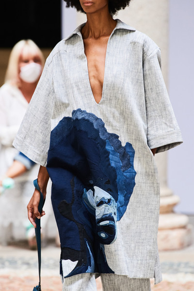 Mario Dice at Milan Spring 2021 (Details) [jeans,model,fashion model,denim,fashion,runway,milan fashion week,fashion show,fashion show,denim,jeans,runway,fashion,model,fashion model,mario dice]