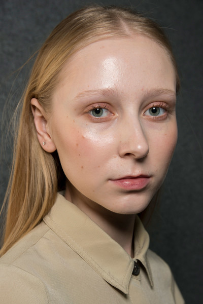 Maryling at Milan Fall 2019 (Backstage) [make-up artist,face,hair,eyebrow,cheek,chin,forehead,lip,hairstyle,head,nose,adwoa aboah,hairstyle,fashion,beauty,makeup,lips,maryling,forehead,milan fashion week,adwoa aboah,beauty,fashion,facial makeup,make-up artist,lips,elle,hairstyle,revlon]