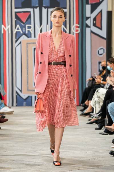 Maryling at Milan Spring 2021 [fashion model,fashion,fashion show,runway,clothing,shoulder,street fashion,dress,pink,haute couture,maryling,fashion,fashion,haute couture,fashion week,street fashion,runway,model,milan fashion week,fashion show,milan fashion week,fashion show,fashion,fashion week,ready-to-wear,runway,asian fashion,model,haute couture,maryling]