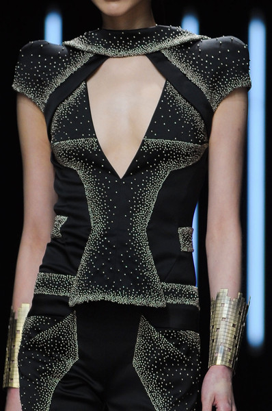 Maxime Simoens at Couture Spring 2012 (Details)