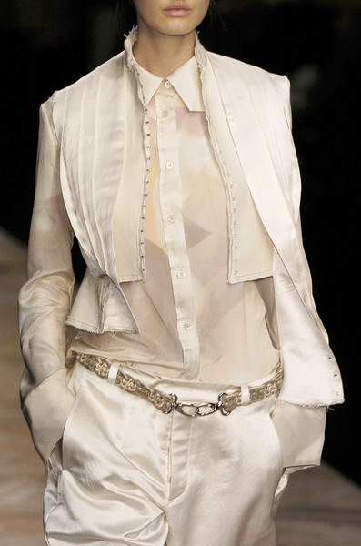 Michiko Koshino at London Fall 2006 (Details)