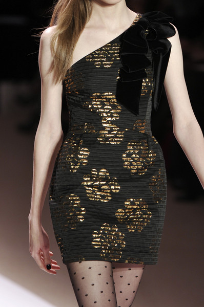 Milly at New York Fall 2010 (Details)