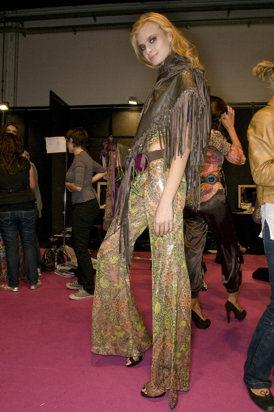 Miss Bikini Luxe at Milan Spring 2009 (Backstage)