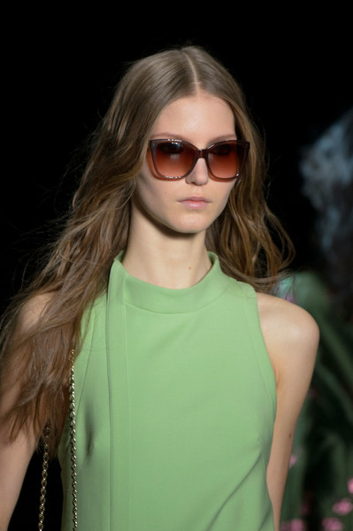 Monique Lhuillier at New York Fall 2016 (Details) [eyewear,hair,glasses,sunglasses,fashion,hairstyle,blond,fashion model,beauty,shoulder,sunglasses,supermodel,monique lhuillier,hair,fashion,brown hair,hairstyle,runway,new york fashion week,fashion show,sunglasses,long hair,fashion show,runway,hair m,supermodel,layered hair,fashion,brown hair,glasses]
