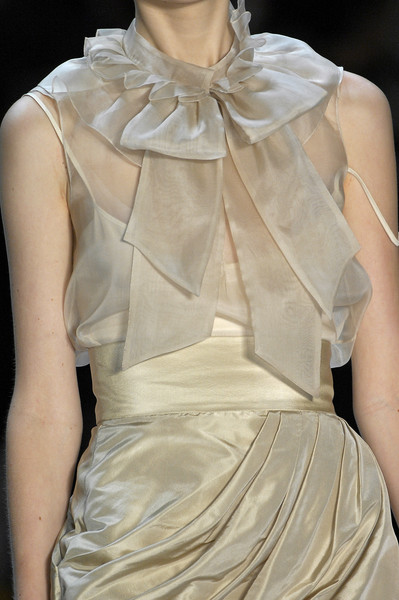 Monique Lhuillier at New York Spring 2008 (Details)