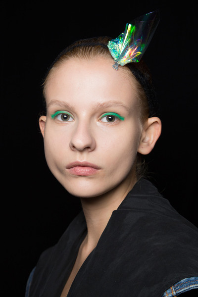 Monique Lhuillier at New York Spring 2016 (Backstage) [hair,face,eyebrow,green,head,forehead,hairstyle,beauty,lip,chin,head,monique lhuillier,forehead,fashion,model,lips,hairstyle,beauty,new york fashion week,close-up,forehead,fashion,model,close-up,lips,beauty.m]