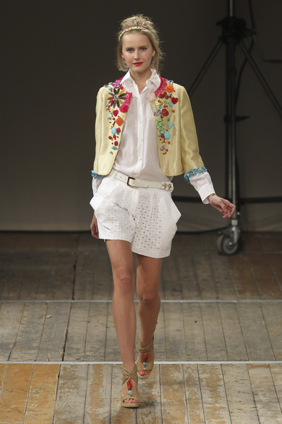 Moschino Cheap & Chic at Milan Spring 2011