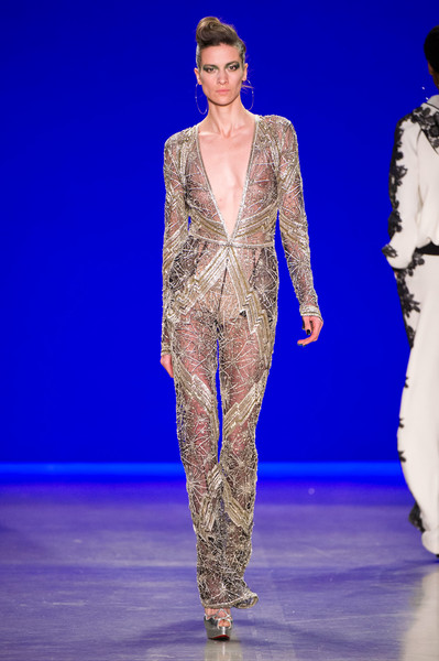 Naeem Khan at New York Fall 2018 [fashion,fashion show,fashion model,runway,clothing,haute couture,event,public event,electric blue,performance,naeem khan,runway,fashion,fashion week,haute couture,new york fashion week,fashion show,paris fashion week,london fashion week,milan fashion week,fashion show,runway,milan fashion week,new york fashion week,paris fashion week,london fashion week,fashion,fashion week,ready-to-wear,haute couture]