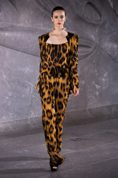 Naeem Khan at New York Spring 2020 [fashion show,fashion model,runway,fashion,clothing,shoulder,yellow,haute couture,neck,public event,naeem khan,fashion,runway,fashion week,fashion model,clothing,shoulder,new york fashion week,fashion show,paris fashion week,naeem khan,runway,fashion show,2018 new york fashion week,paris fashion week,fashion week,fashion,ready-to-wear,milan fashion week]