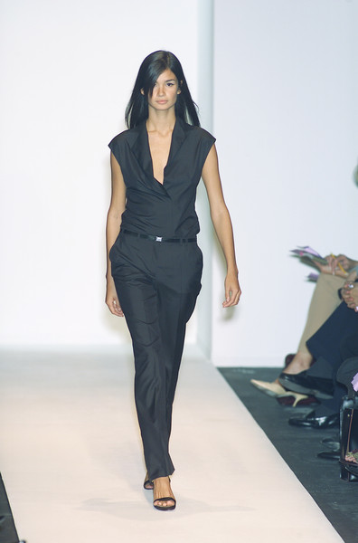 Narciso Rodriguez at Milan Spring 2001 [fashion model,fashion show,runway,fashion,clothing,shoulder,fashion design,neck,waist,long hair,supermodel,narciso rodriguez,runway,fashion,model,fashion model,haute couture,shoulder,milan fashion week,fashion show,runway,fashion show,model,supermodel,fashion,haute couture]