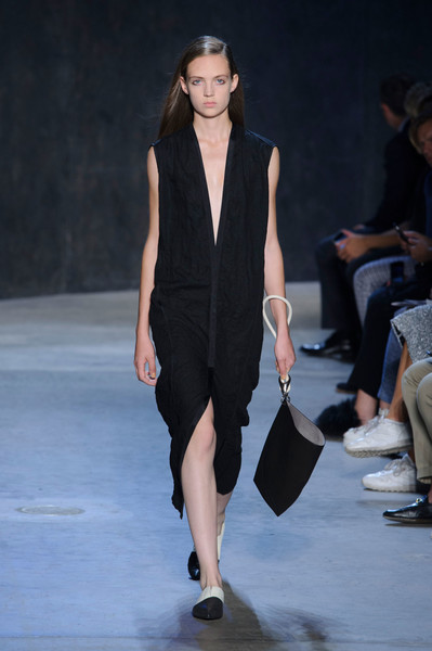 Narciso Rodriguez at New York Spring 2017 [fashion show,fashion model,runway,fashion,clothing,outerwear,shoulder,public event,neck,event,narciso rodriguez,supermodel,fashion,runway,fashion week,model,fashion model,clothing,new york fashion week,fashion show,runway,fashion show,fashion,fashion week,narciso rodriguez,new york fashion week,model,ready-to-wear,supermodel,haute couture]