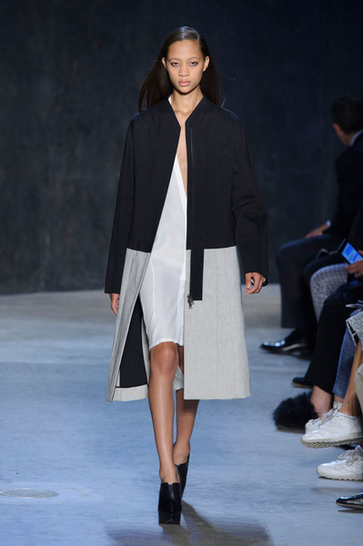 Narciso Rodriguez at New York Spring 2017 [fashion show,fashion model,runway,fashion,clothing,outerwear,public event,event,footwear,human,narciso rodriguez,selena forrest,fashion,runway,fashion week,model,clothing,new york fashion week,event,fashion show,selena forrest,runway,fashion show,new york fashion week,fashion,fashion week,model,ready-to-wear,supermodel,clothing]