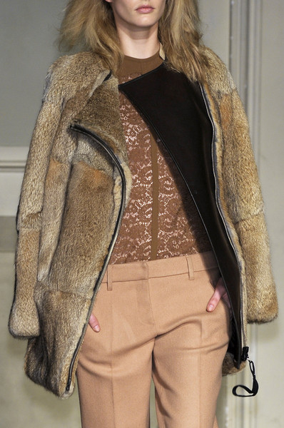 No. 21 at Milan Fall 2010 (Details)
