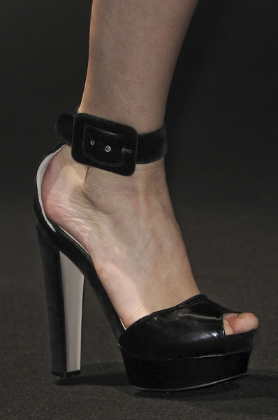 No. 21 at Milan Fall 2012 (Details)