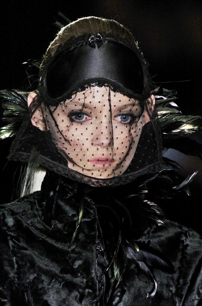 Noir at London Fall 2006 (Details)