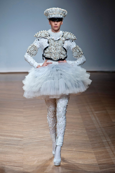 On Aura Tout Vu at Couture Spring 2014