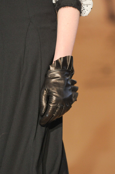 Paola Frani at Milan Fall 2011 (Details)