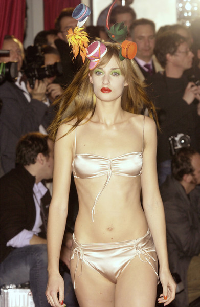 Philip Treacy at Couture Spring 2003 [lingerie,brassiere,clothing,undergarment,fashion,fashion show,beauty,model,fashion model,runway,lingerie,philip treacy,supermodel,model,fashion,runway,haute couture,hat,couture spring 2003,fashion show,philip treacy,adina fohlin,fashion,model,haute couture,supermodel,hat,fashion show,mariacarla boscono,runway]