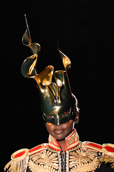 Philip Treacy at London Spring 2013 (Details)