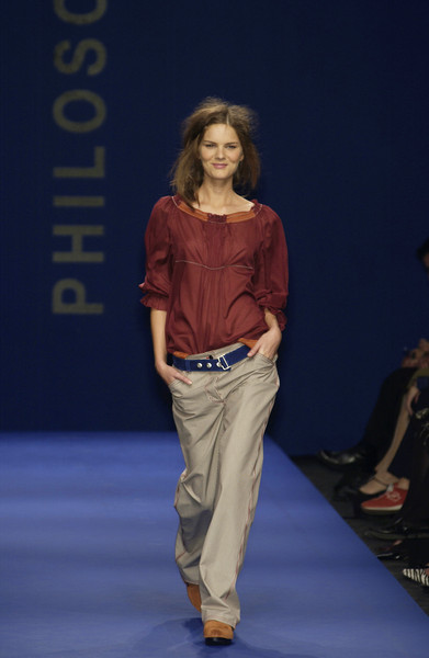 Philosophy di Alberta Ferretti at Milan Spring 2003