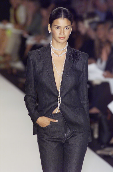 Ralph Lauren at New York Spring 2001 [fashion model,fashion,fashion show,clothing,suit,runway,pantsuit,outerwear,haute couture,human,supermodel,fashion,runway,haute couture,fashion week,model,clothing,ralph_lauren,new york fashion week,fashion show,new york fashion week,fashion show,runway,fashion,fashion week,ralph lauren corporation,supermodel,model,haute couture]