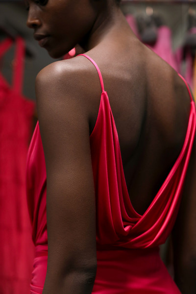 Ralph & Russo at Paris Spring 2021 (Backstage) [shoulder,red,pink,beauty,fashion,dress,joint,neck,magenta,back,dress,fashion accessory,fashion,beauty,photo shoot,pink,joint,neck,ralph russo,paris fashion week,fashion,ralph russo,photo shoot,beauty,\u0e41\u0e1f\u0e0a\u0e31\u0e48\u0e19\u0e42\u0e0a\u0e27\u0e4c,fashion accessory,thorax]
