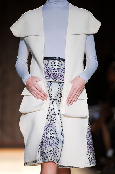 Roland Mouret at Paris Fall 2012 (Details)