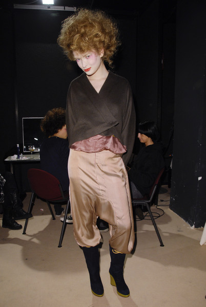 Romeo Gigli at Milan Fall 2008 (Backstage)