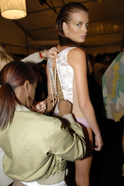 Rosa Cha at New York Spring 2007 (Backstage)
