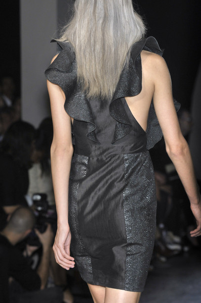 Rue du Mail at Paris Spring 2010 (Details)