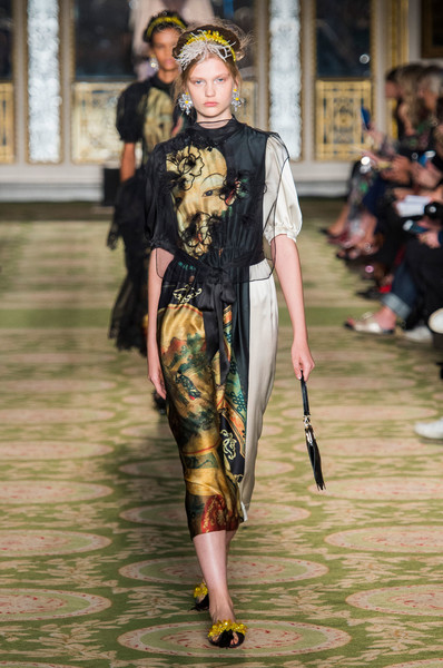 Simone Rocha At London Fashion Week Spring 2019 Livingly