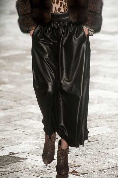 Simonetta Ravizza at Milan Fall 2014 (Details)