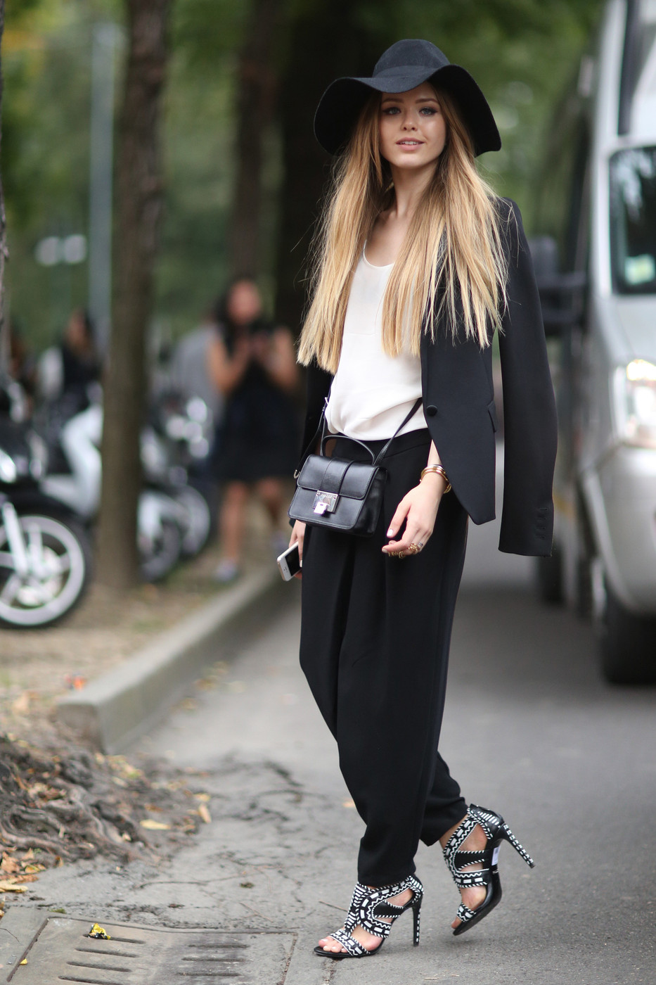 Relaxed Glamour Best Street Style At Milan Fashion Week Spring 2015 Livingly