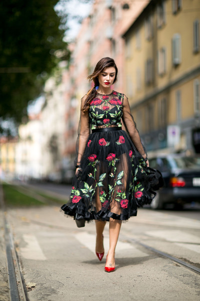 Coming Up Roses The Best Street Style At Milan Fashion Week Spring 2016 Livingly