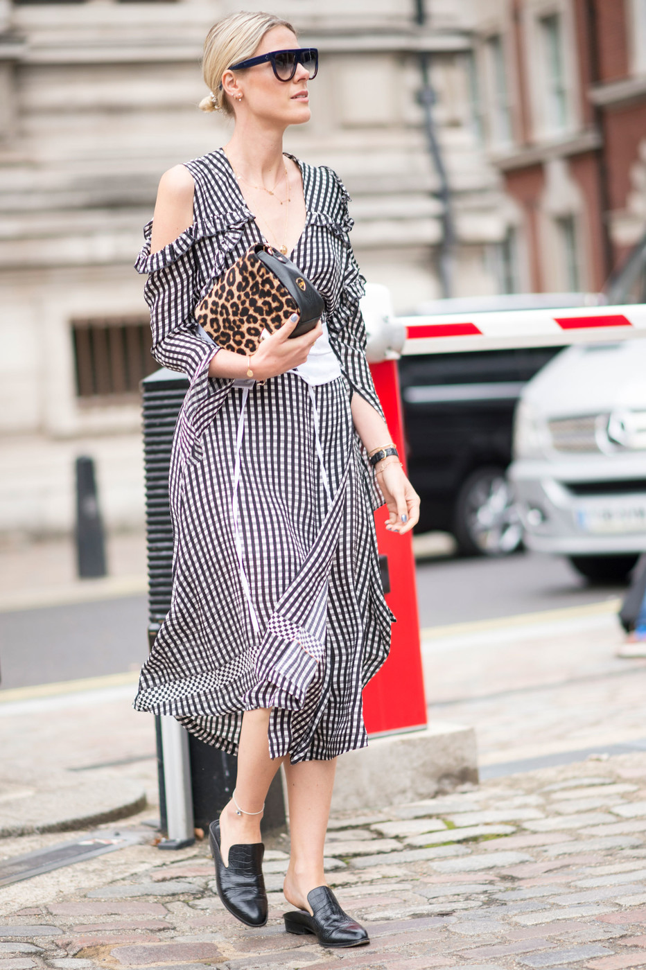 Gingham And Leopard The Best Street Style At London Fashion Week Spring 2017 Livingly