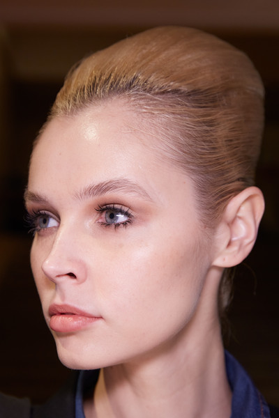 Stéphane Rolland at Couture Spring 2020 (Backstage) [hair,face,eyebrow,forehead,hairstyle,chin,cheek,nose,fashion,head,stephane rolland,haute couture,spring,beauty,seam,hairstyle,forehead,booneville/baldwyn airport,couture spring 2020,fashion show,haute couture,fashion show,spring,summer,beauty,booneville/baldwyn airport,seam,2020,st\u00e9phane rolland]
