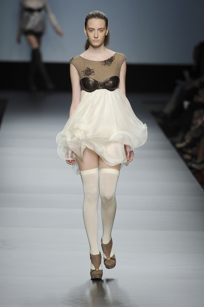 Susanna Cornet at Milan Fall 2010