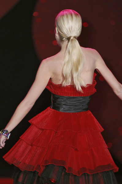 The Heart Truth Red Dress Collection at New York Fall 2009 (Details)