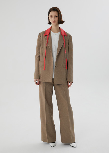 The Studio K at New York Fall 2021 [trousers,shoe,arm,leg,coat,dress shirt,neck,waist,sleeve,gesture,keyboard,trousers,dress shirt,fashion,khaki,beige,suit,neck,studio k,new york fashion week,overcoat,suit,fashion,khaki,beige,model m keyboard]