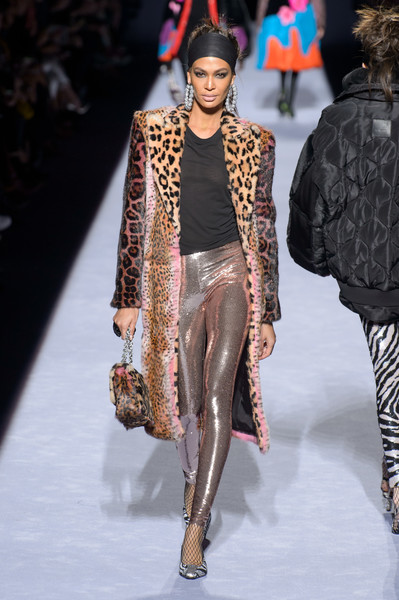 Tom Ford at New York Fall 2018 [fashion model,fashion,fashion show,runway,clothing,fur,fur clothing,outerwear,public event,haute couture,designer,tom ford,fashion,runway,street fashion,fashion week,clothing,fur,new york fashion week,fashion show,new york fashion week,fashion,autumn,ready-to-wear,runway,fashion week,fashion show,designer,street fashion,winter]