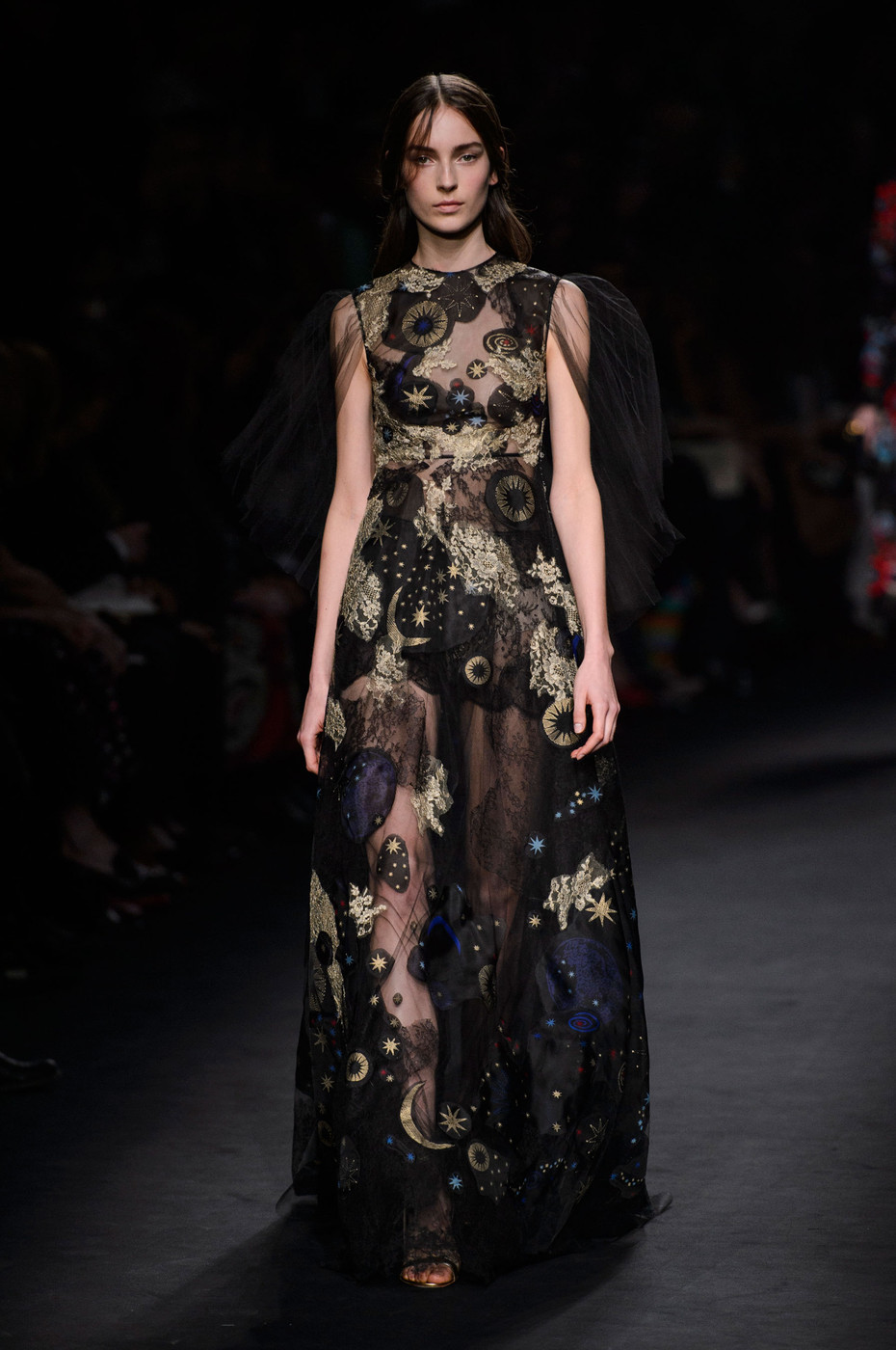 Valentino Fall 2015 Runway Pictures - Livingly