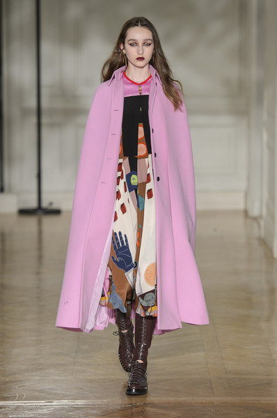 Valentino at Paris Fall 2017 [fashion show,fashion,clothing,runway,fashion model,pink,outerwear,public event,event,haute couture,outerwear,valentino,fashion,clothing,fashion week,fashion model,pink,paris fashion week,event,fashion show,paris fashion week,valentino,ready-to-wear,fashion,fashion show,fashion week,clothing,handbag,autumn]