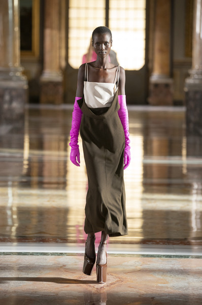 Valentino at Couture Spring 2021 [couture spring 2021,purple,neck,waist,street fashion,runway,performing arts,entertainment,fashion design,bag,fashion model,outerwear,shoe,gown,valentino,haute couture,fashion,runway,fashion model,fashion show,fashion show,haute couture,shoe,fashion,runway,gown,fashion model,outerwear / m,model m keyboard,outerwear]