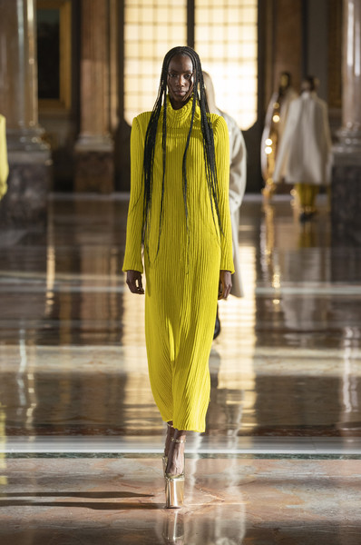 Valentino at Couture Spring 2021 [couture spring 2021,sleeve,one-piece garment,yellow,dress,street fashion,fashion design,waist,shawl,stole,electric blue,outerwear,keyboard,valentino,fashion,haute couture,runway,yellow,fashion model,fashion show,fashion show,runway,haute couture,fashion,fashion model,yellow,outerwear / m,model m keyboard,outerwear]