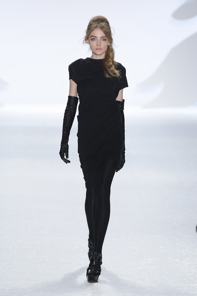 Vera Wang at New York Fall 2010