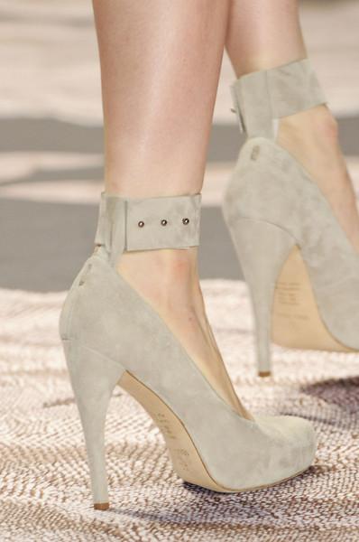 Vera Wang at New York Fall 2013 (Details)